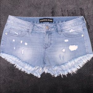 Express distressed jean shorts 6